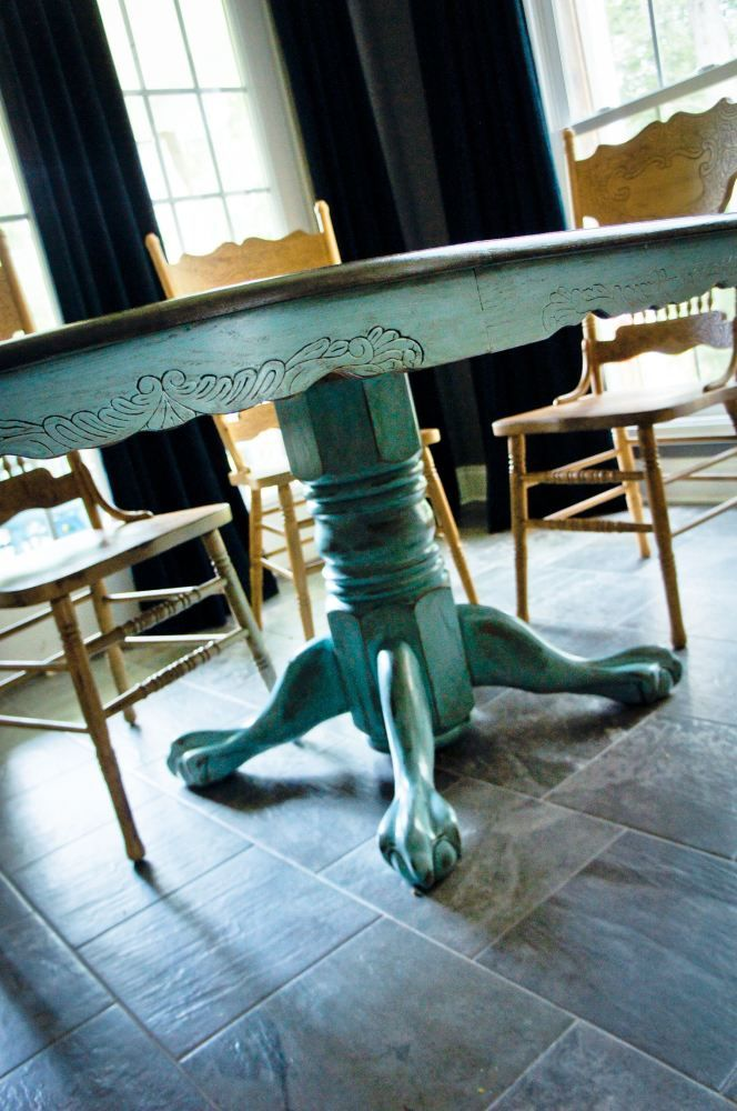 Doing this color, Duck Egg Blue (Annie Sloan chalk paint) for pedastal of table.