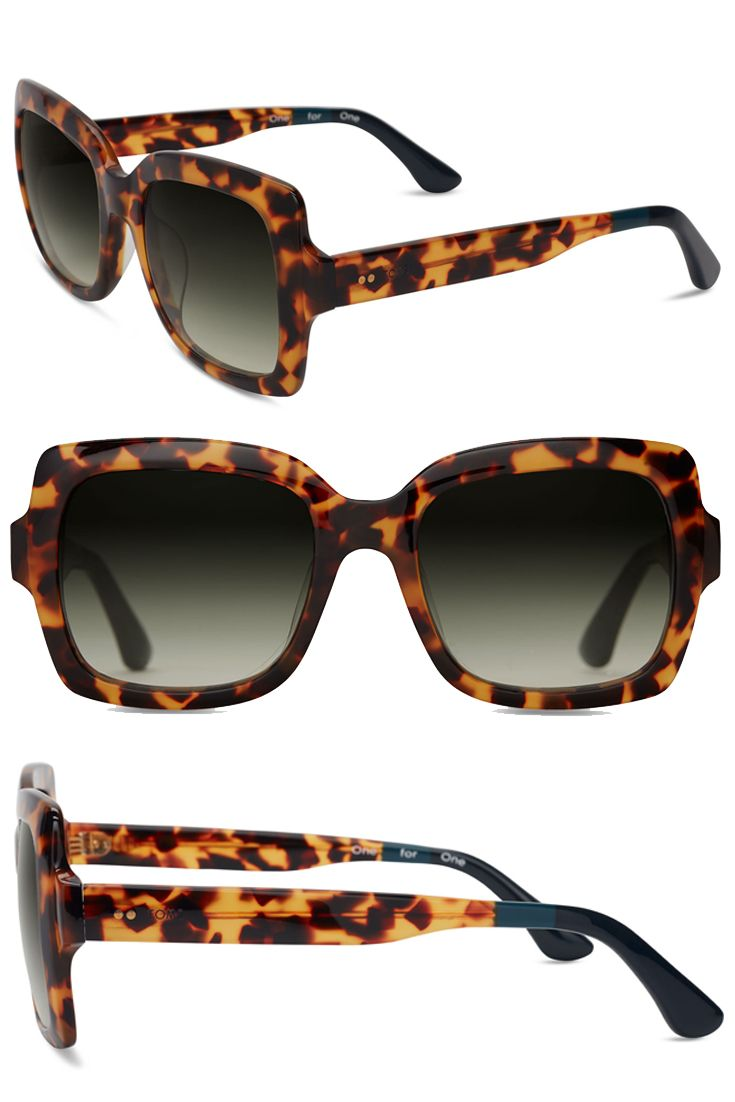 Featuring an oversized square frame in Havana tortoise, these vintage-inspired TOMS Mackenzie sunglasses are an effortlessly chic style.