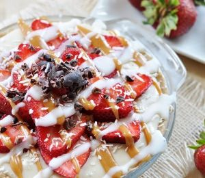 No-Bake Strawberry Coconut Cream Pie (Source) VeganFoodPornPictures.com | Vegan Cookbooks On Sale! Like Us On Facebook | Follow Us On Twitter by veganfoodpornpictures on Flickr.