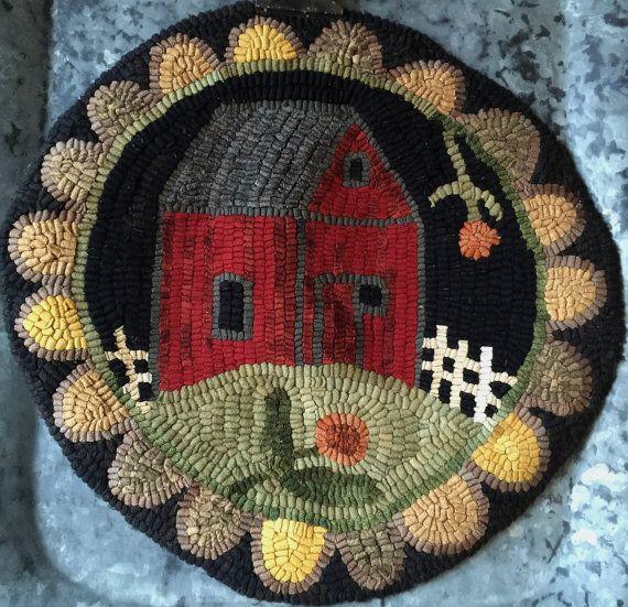 "Rug Hooking Pattern/Chair Pad/Hooked rug/paper pattern/Red Barn/Primitive rug 14""rnd/processing 1-3 days"
