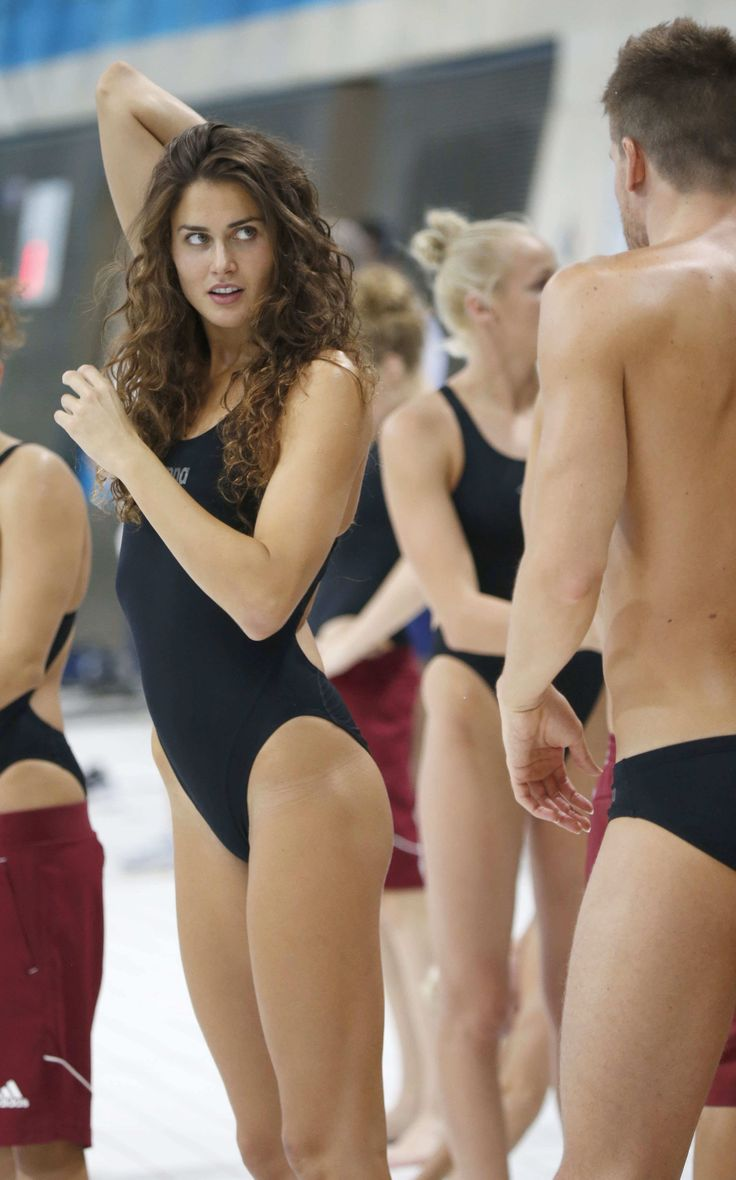 Zsuzsanna Jakabos (born April 3, 1989 in Pécs, Baranya) is a Hungarian swimmer…