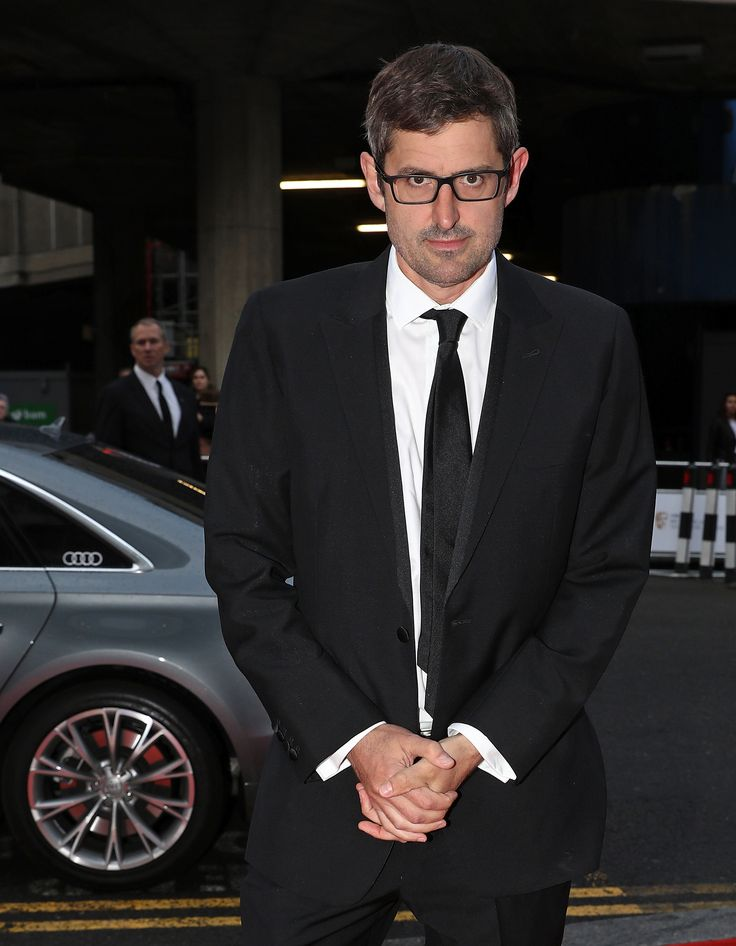 A Louis Theroux Christmas Jumper Is Trending On Twitter And Fans Want To Buy It NOW | HuffPost UK