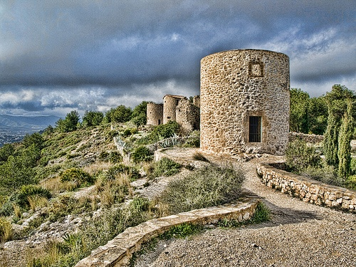 Los Molinos de Jávea. Cadena de favores. by Caeduiker, via Flickr