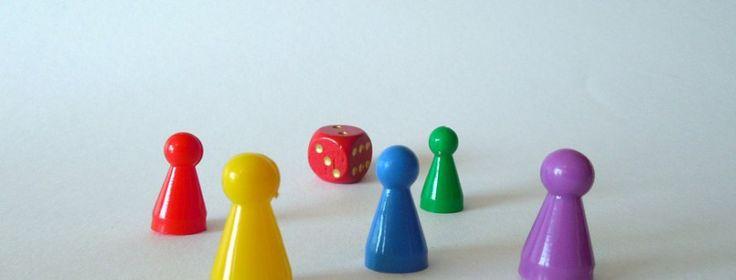 In de methode pluspunt staat een heel leuk spel om de tafels te oefenen. Het is een vorm van het spel Vier op een rij. Wat heb je nodig  Spelbord 2 gekleurde pionnen 2 gekleurde potloden  Wat zijn de spelregels  Je kunt het spel één tegen één of twee tegen twee spelen. Speler begint. Hij mag de gekleurde pionnen op twee verschillende cijfers op de cijferkaart neerzetten.