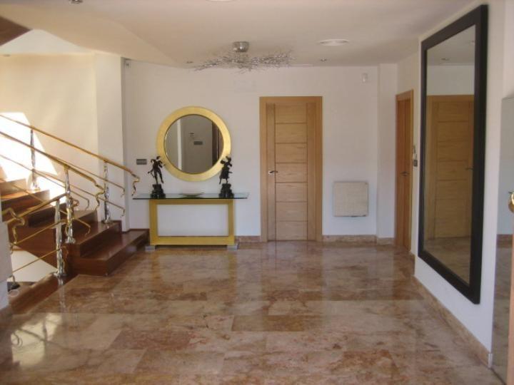 Puerta de entrada casa moderna buscar con google pisos pinterest searching - Aislar puerta entrada piso ...