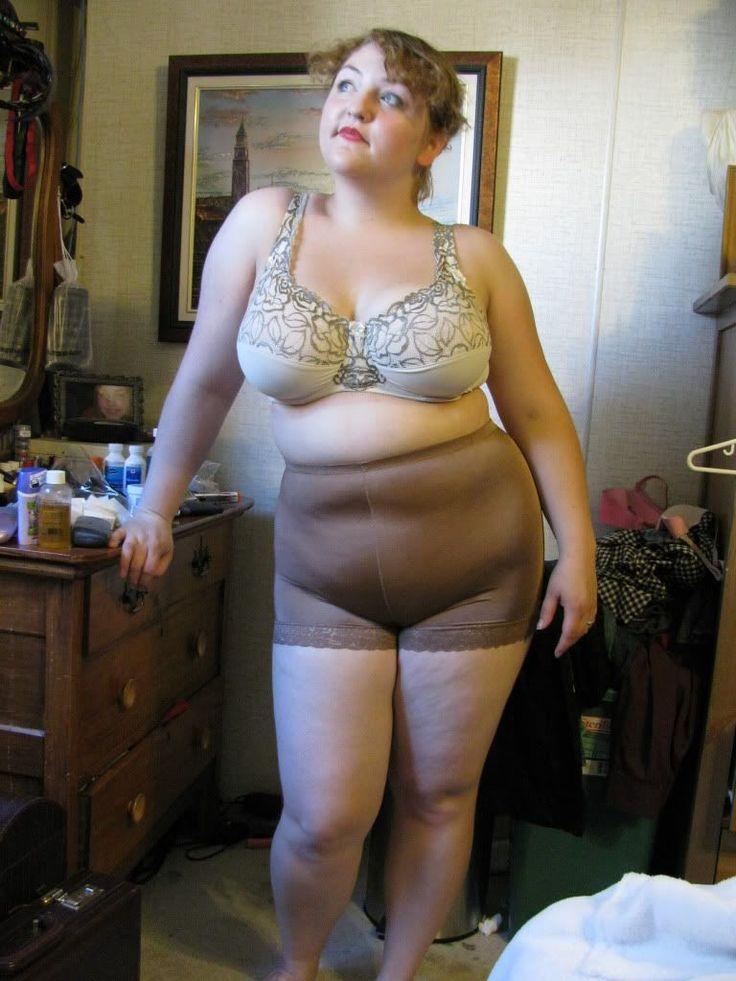 голая старая толстая женщина фото