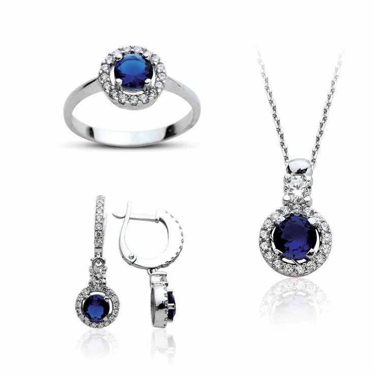 Yuvarlak Safir Taşlı Gümüş Set Gümüş takıda yılların deneyimi. Cng Gümüş Online satış mağazası ve şubeleriyle gümüş takı, küpe, kolye, yüzük ,bileklik ve size özel ürünlerle hizmetinizde.Daha fazla bilgi ve sipariş için www.cnggumus.com Tel:(0212) 240 67 14 -(0212)325 00 82 Whatsapp 0555 961 08 05