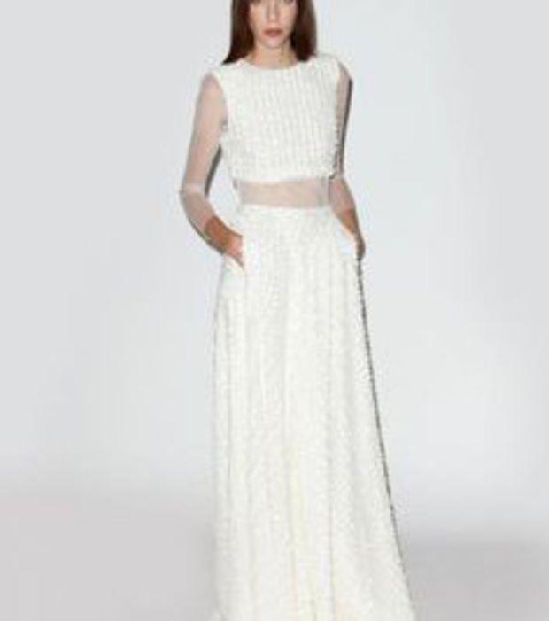 Robe de mariée à empiècements transparents