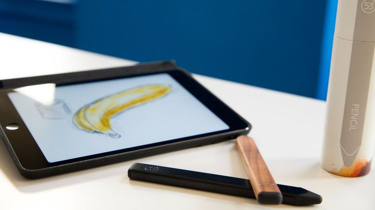 FiftyThree pencil stylus, works with Bluetooth.