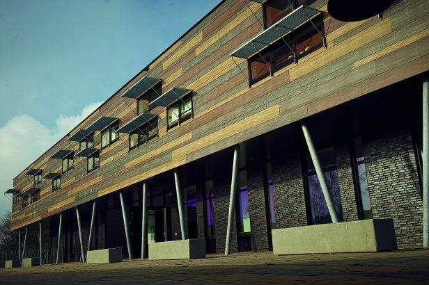 Tree House School, Zaltbommel, Netherlands  by: Rockwool B.V. / Rockpanel Group