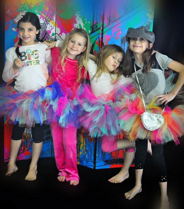 Idea for a fun birthday party!  I did a diva photo shoot for my daughter's 8th birthday.  It was so much fun, the girls had a blast!