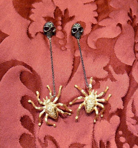 Spider and skull earrings Silver gold plated and aged precious stones: emeralds and diamond dimension cm 9,5 - Dogale Jewellery Venice Italia