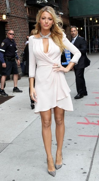 Blake Lively style - Save 50% - 90% on Special Deals at http://www.ilovesavingcash.com