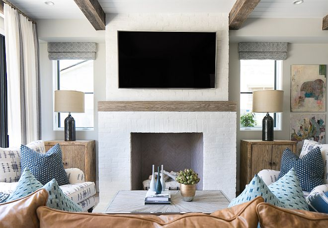 walls are painted in Dunn Edwards DEC 774 Shady – a very neutral color that works beautifully with natural wood.