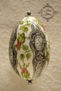 Huevo decorado.