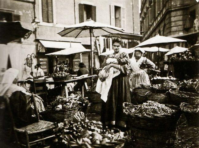 Ed. ne Alinari, Mercato dell'Erbe a Campo di Fiori, Roma 1880 ca. albumina 190x245