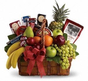 Allen's Flower Market Gourmet Gift Basket, Mother's Day Gift Basket, Mother's Day Gifts. http://www.allensflowermarketonline.com/bon-vivant-gourmet-basket/