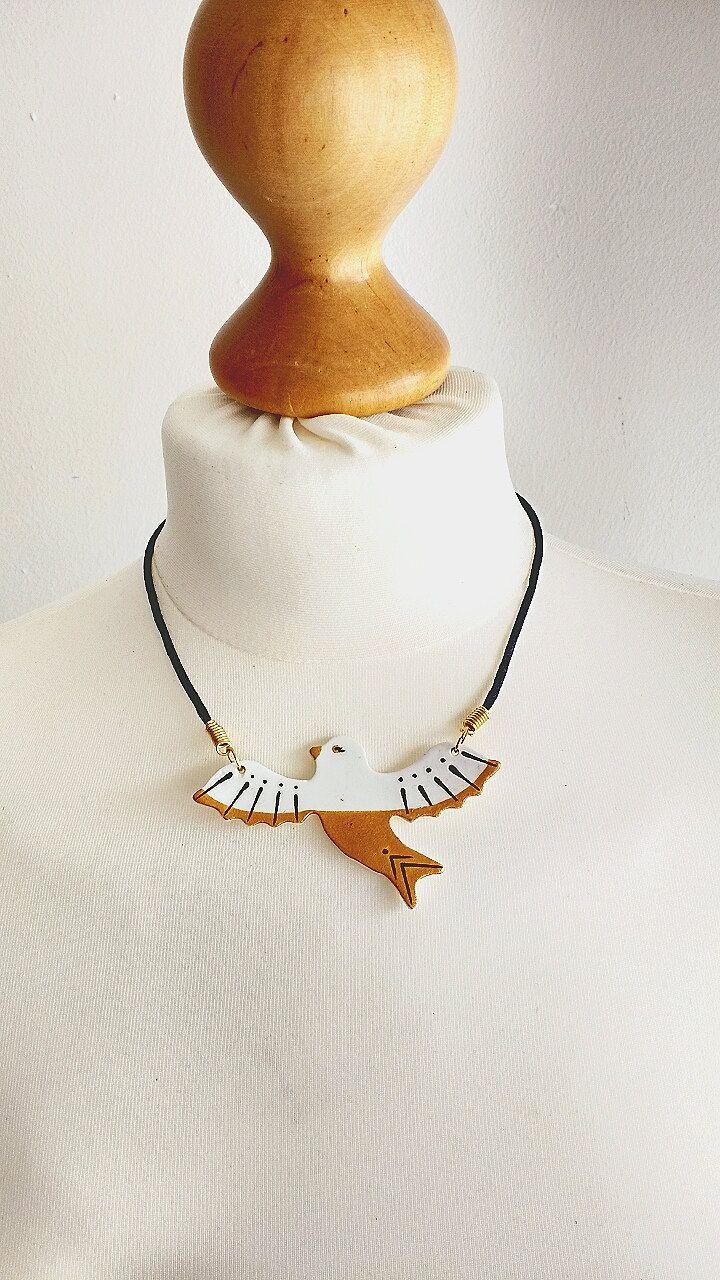 Schmuck ethnisch, Vintage Schmuck, Hochzeit Schmuck, Vogel Halskette, Weiße Halskette, Vogel Muster, Geschenk für sie, Halskette Gold von StudioAnnaP auf Etsy
