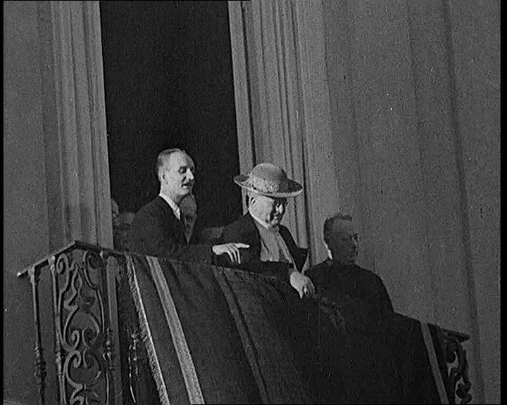 Pope Pius XI has a public appearance after recovering from a heart attack in this 1938 footage: http://www.britishpathe.com/video/popes-wonderful-recovery-aka-popes-wonderful-recov