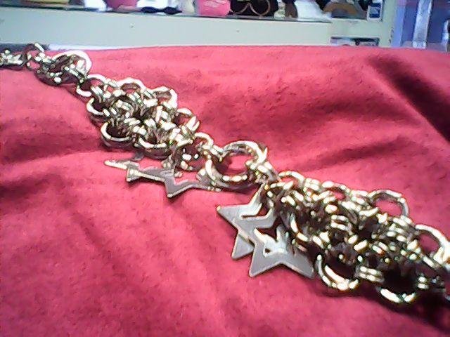 pulsera arte medieval con  dijes estrellas