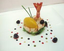 Cocktail di gamberi all' #amarena Fabbri su insalatina di stagione e gelato al mango by Fabbri 1905