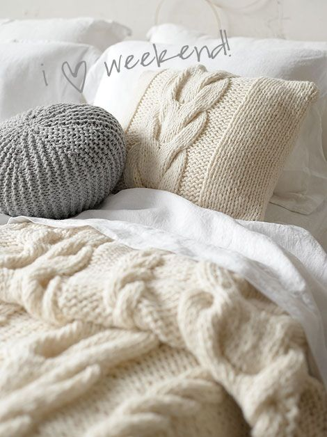 cozy bedIdeas, Sweaters, Cozy Winter, Knit Blankets, Bedrooms, Knits Blankets, Pillows, Cozy Beds, Cable Knits
