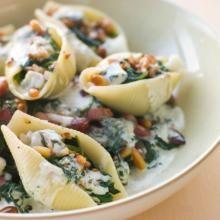 Conchiglioni al verde. Per la #ricetta cliccate qui: http://www.centobattitiperminuto.it/dating-tips/conchiglioni-al-verde
