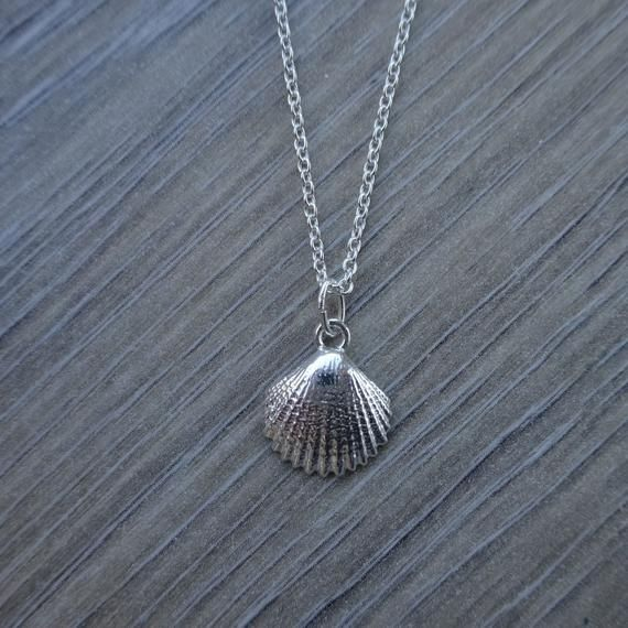 Sterling Clam Shell Pendant Brooch