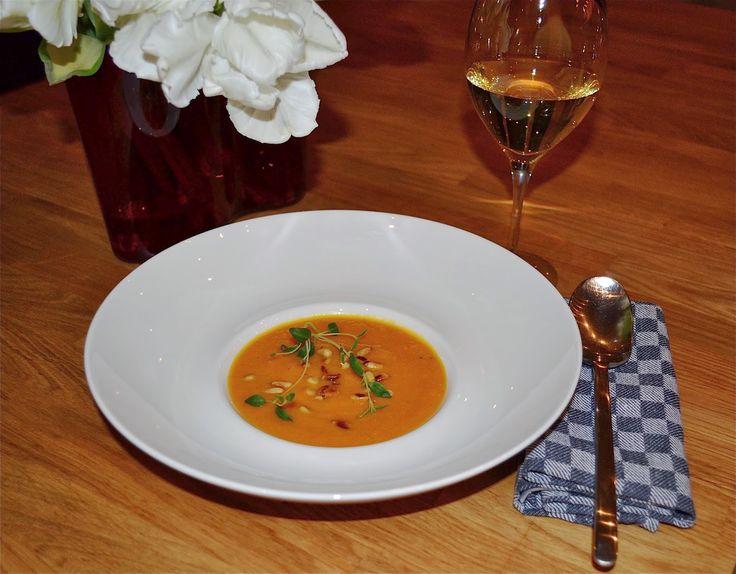 mmm recept: Rostad morotssoppa med pinjenötter, crème fraiche och timjan