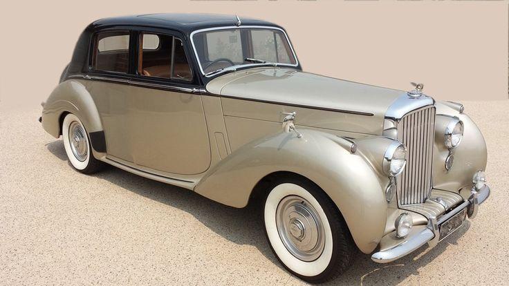 1954 Classic Bentley, Seats 4 passengers + Chaffeur #WeddingCarsBrisbane #WeddingCarsSunshineCoast