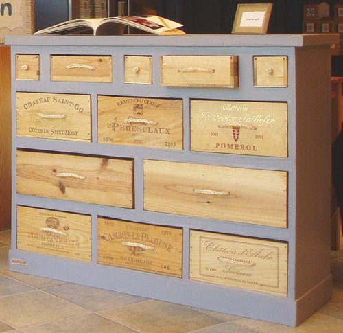 """Je voudrais fabriquer un meuble à partir de caisses de vin (dimension d'une caisse 27*33*18 cm), en laissant apparent le côté """"caisse à vin"""", avez vous des idées de conception?"""