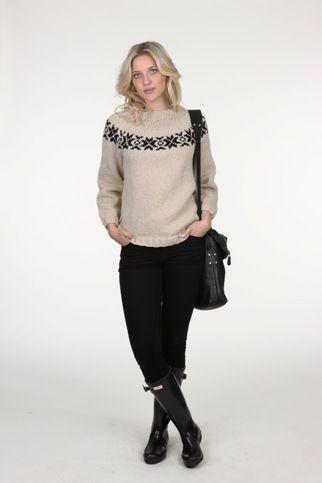 1449 – Sweater med stjerner i Mayflower Wolly