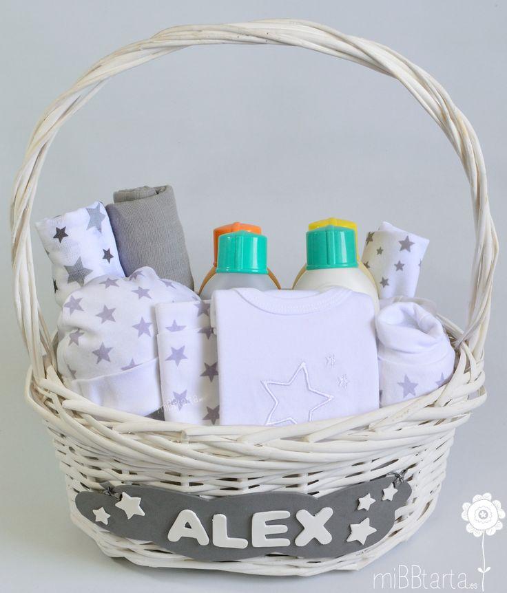 ¿Te gustan las cestas de bebe? ¿Qué te perece esta canastilla de nacimiento? Un elegante y práctico regalo ya se niño o niña con el que podremos darle una bonita bienvenida. https://mibbtarta.es/producto/cesta-bebe-estrellas-gris/ #canastilla #babyshower #regalonacimiento #regalobebe #cestanacimiento #cestabebe #regalosoriginales #tartadepañales #tartasdepañales #canastillahospital #cestanacimiento #bebe #maternidad #embarazo #bebeencamino
