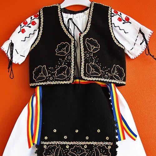 Costum popular fetita - model 1