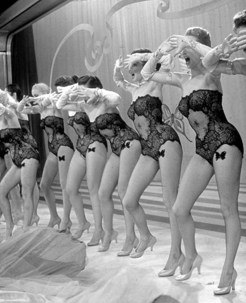 Guys & Dolls. Dream of mine has been just to take a burlesque class. Could be for a day or a month, I don't mind <3