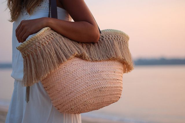 street_style-trendy_taste-look-outfit-SS_13-wicker_basket-raffia-capazo-rafia-boho_dress-white_dress-beach-vestido_blanco-playa-diadema_flores-ibiza_style-sunset-7 by Trendy Taste, via Flickr