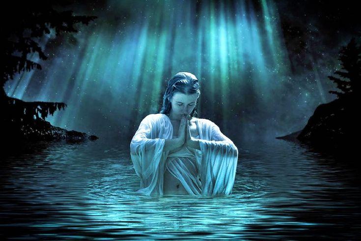 Termina la jornada junto a tu Divinidad. Antes de dormir, realiza esta meditación guiada de Maestro de Luz para preparar un encuentro onírico con tu Divinidad. http://reikinuevo.com/meditacion-encuentro-divinidad/