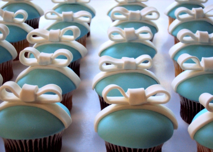 tiffany cupcakes tutorial. Need to remember this for when Tiffany R gets married!