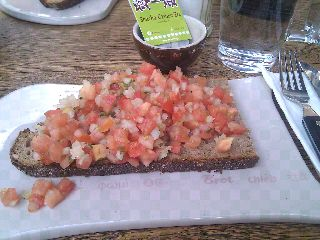 Homeveganer: Natursauerteigbrot mit Tomaten Salsa