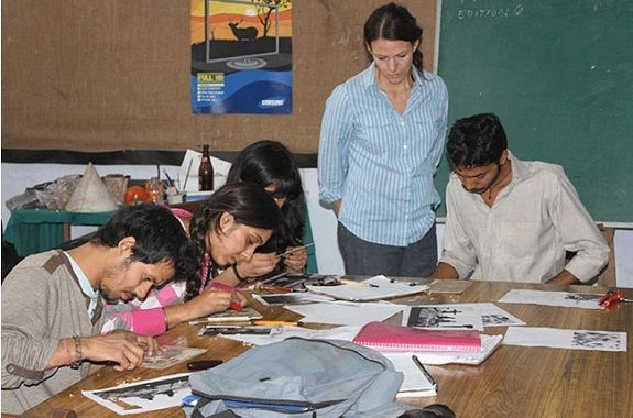 Fine Arts is one of the widest disciplines of study, in which students specialize in a wide variety of subjects and get lucrative career options later on. As a discipline, Fine Arts attract a large number of aspirants, which is why India has a large number of Fine Arts colleges. Listed below are the top 10 Fine Arts colleges in India: 10. Department of Fine Arts, Aligarh Muslim University One of the top Fine Arts colleges in India is the Department of Fine Arts, Aligarh Muslim University…