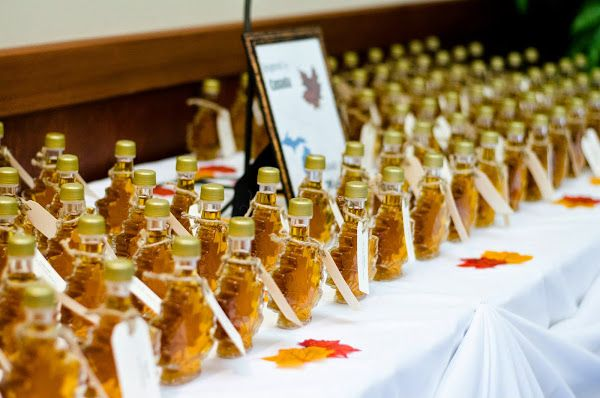 maple syrup bottles for wedding favors i do pinterest