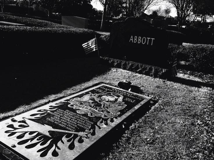 Dimebag Darrell's Grave Site Arlington, Texas