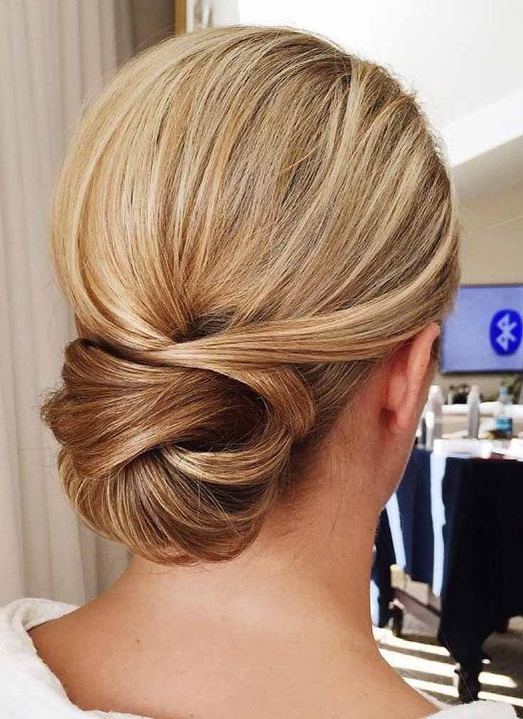 Updos Hairstyles Are Always Trendy And Popular And The Internet Is Full Of Gorgeous Updo Hairstyles All Upd Long Hair Styles Hair Styles Elegant Wedding Hair