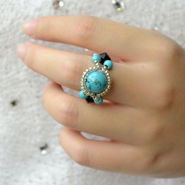 el aspecto final de los anillos turquesa hechos a mano