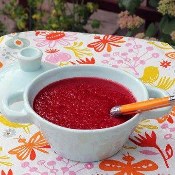 5:2 Rödbetssoppa med morot och ingefära - Recept - Tasteline.com