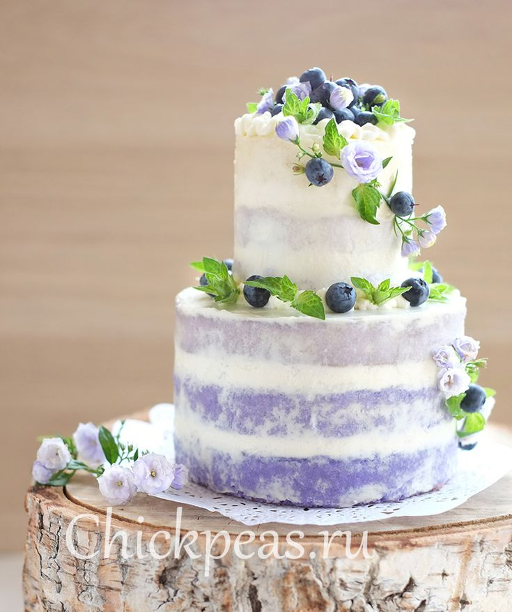 Cake Ombre Rustic with blueberries and lavender syrup