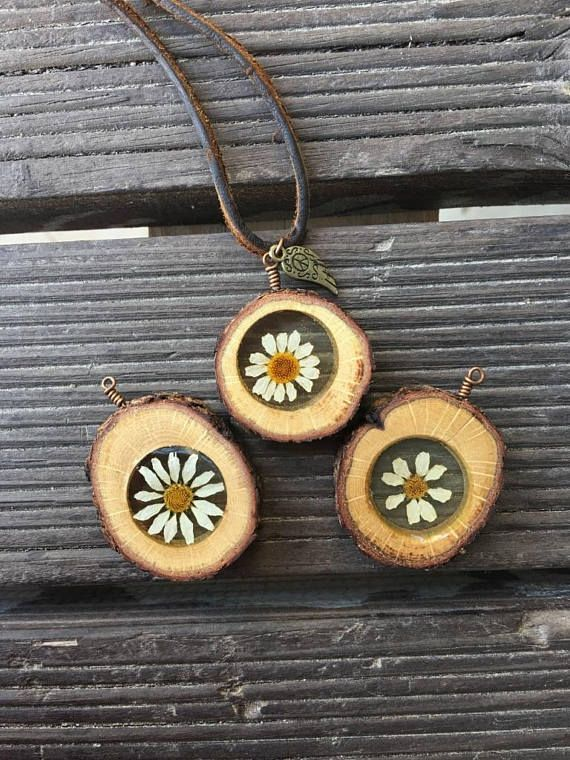 Daisy Necklace, Terrarium Necklace, Botanical Necklace, Real Flower Necklace, Wood Necklace, Resin Jewelry, Gift Idea