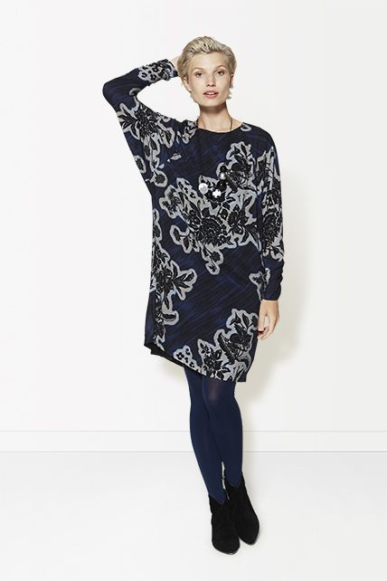 Winter - Lookbook | Dress | Flower Print | Blue | Wide Sleeves | Fashion | Inspired | Photography