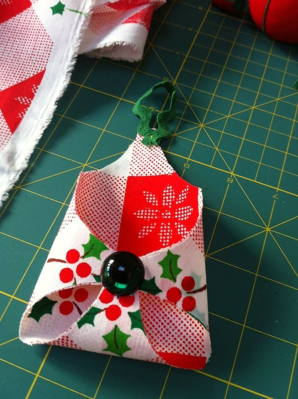 DIY   No Sew Gift Card Holder Ornament So Cute! Will Be Diffently Be Doing