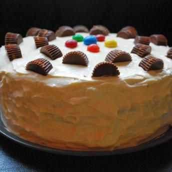 Tort cu ciocolata si unt de arahide
